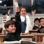 Mandare i bambini a scuola per difendere i diritti dell'uomo
