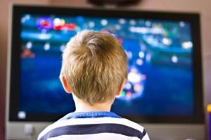 Bambini e tv: troppa anche in vacanza