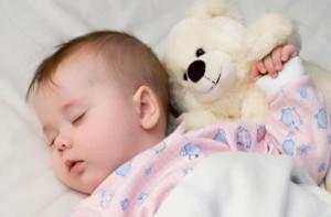 Il sonno dei bambini: tra risvegli e bisogno di attenzione