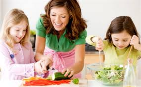 corretta alimentazione bambini e mamma cucina