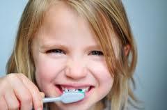 La cura dei denti da latte: ecco una soluzione ecologica e fai-da-te