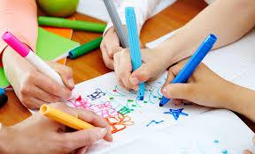 Scuola a casa con altri bambini