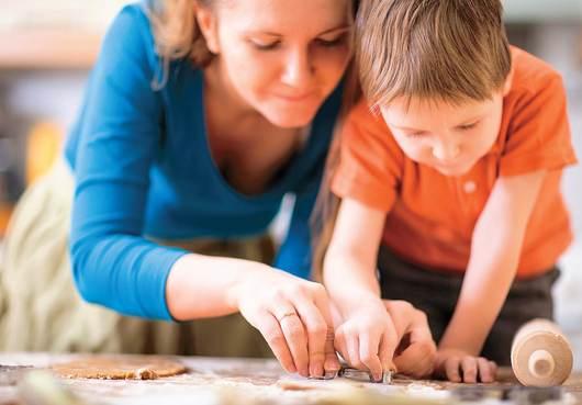Mamme lavoro e il tempo per i nostri bambini bambino - Bambine che cucinano ...