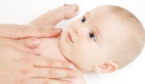 Oli per il massaggio neonatale: quali scegliere per il nostro bambino?