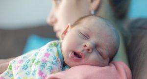 Che sostegno serve alle neomamme durante le prime settimane dopo la nascita?