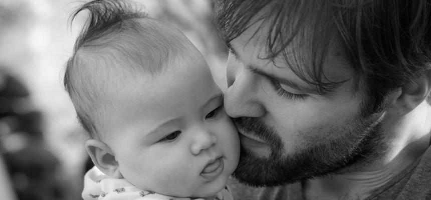 Il papà: perché coinvolgerlo nell'accudimento del bambino fin dalla nascita?