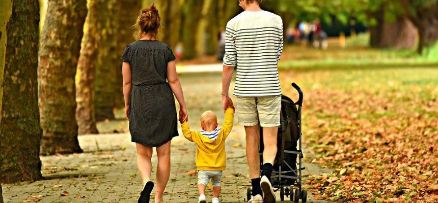 Sulle tracce del babywearing e le scelte dei genitori