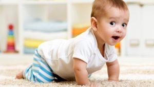 Crescita del neonato: perché è importante gattonare?