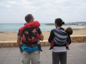 Stare e camminare insieme ai nostri bambini – l'opportunità di scegliere di portare i piccoli