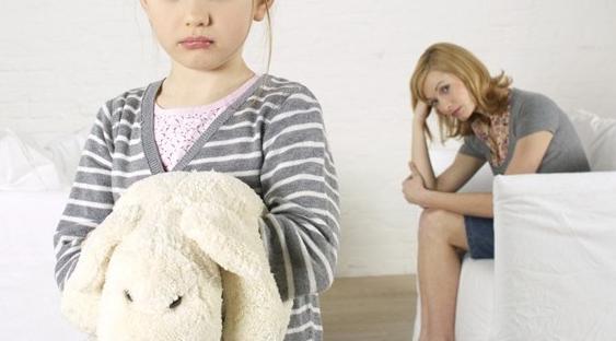 Una mamma in crisi: i (pre)giudizi degli esperti