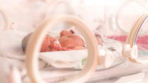 La voce della mamma migliora la salute dei neonati prematuri