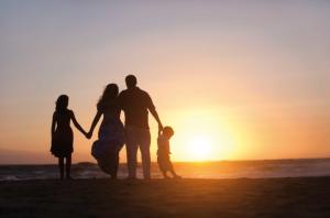 Come ci vedono i nostri figli? In loro, cosa rimane di noi? Le parole di Elena Balsamo