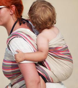 portare i bambini in fascia