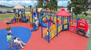 parco gioco inclusivo, bambino naturale