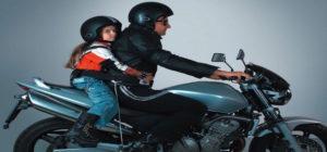 Mai più bambini piccoli in moto