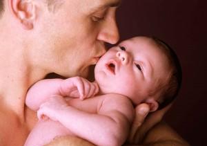 accudimento-bisogni-bambini-papà-neonato