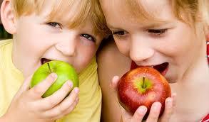 Alimentazione dei bambini, come regolarsi?