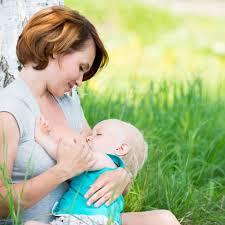 Latte materno, dopo l'anno è ok!