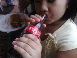 Salute bambini, no alla coca cola…da bere