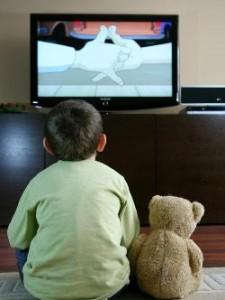 bambino e tv