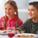 bambini piccoli al ristorante