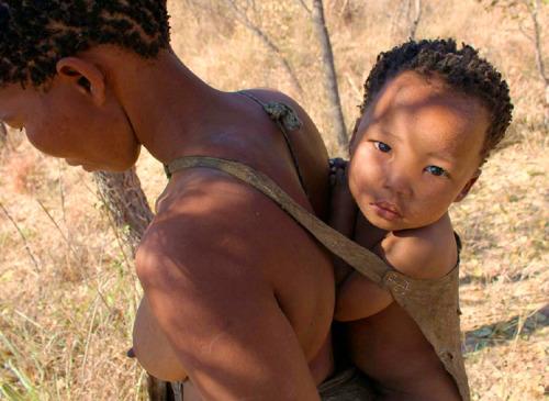 Accudimento ad alto contatto e pianto dei bambini