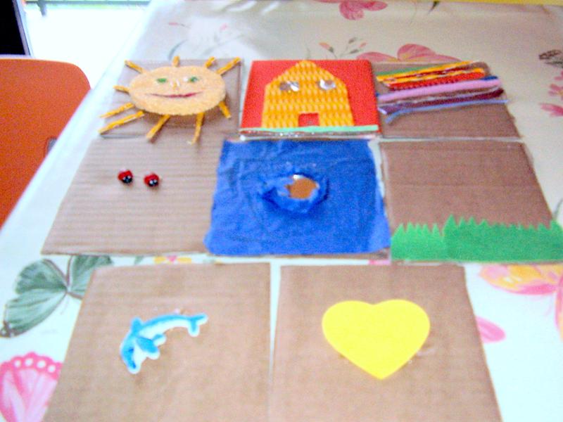 Le carte tattili, riciclate per i giochi dei nostri bambini