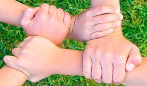 collabora con noi mani unite