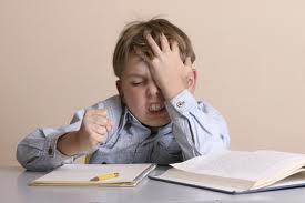 Bambini a scuola, riflessione sui compiti