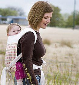 Camminare con i bambini in fascia: fasceggiare!