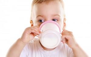 alimentazione-bambini-latte-artificiale