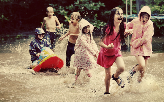 Come e perché aggiungere un po' di rischio nei giochi dei nostri figli: le 5 regole