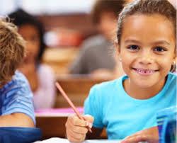 Bambini a scuola per scoprire i loro talenti