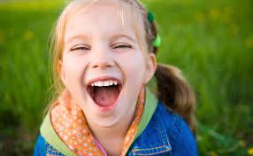 Il bambino che ride sempre e le sue ansie  f8b9703fc4c