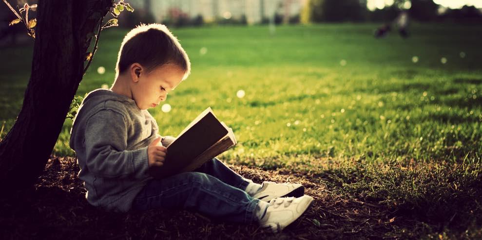 Bambini e lettura, a che età iniziare?