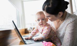 Il primo distacco tra mamma e bambino: come gestire il rientro al lavoro e allattamento