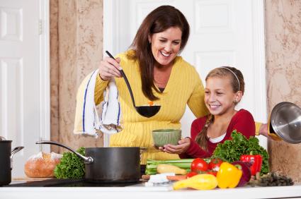 La mamma che cucina e accudisce non svilisce se stessa