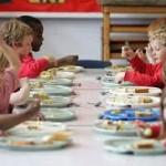alimentazione bambini in mensa