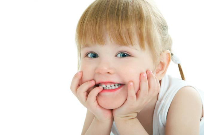 Non togliermi il sorriso: il grido disperato dell'infanzia tradita