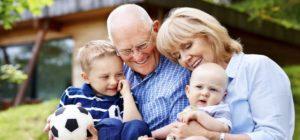 Nonni e nipoti: rapporto indispensabile da tutelare
