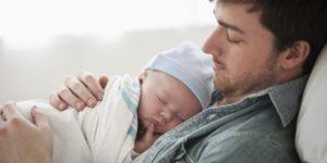 Sonno dei bambini, il cosleeping secondo un papà