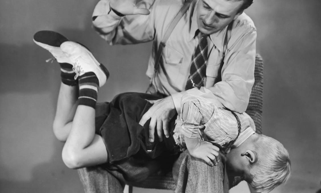 Picchiare i bambini non li educa