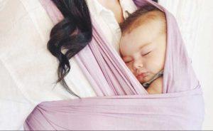 Nanna in fascia: il sonno diurno a contatto