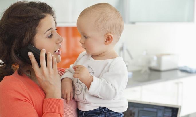 Mamme che tornano al lavoro, come funziona in Italia?