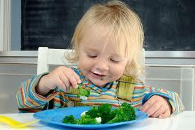 salute bambini bimbo mangia verdura