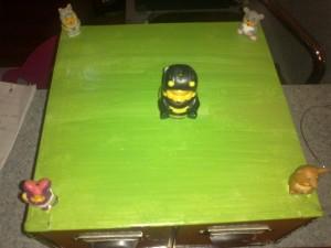 Giochi per bambini: la scatola diventa scrivania