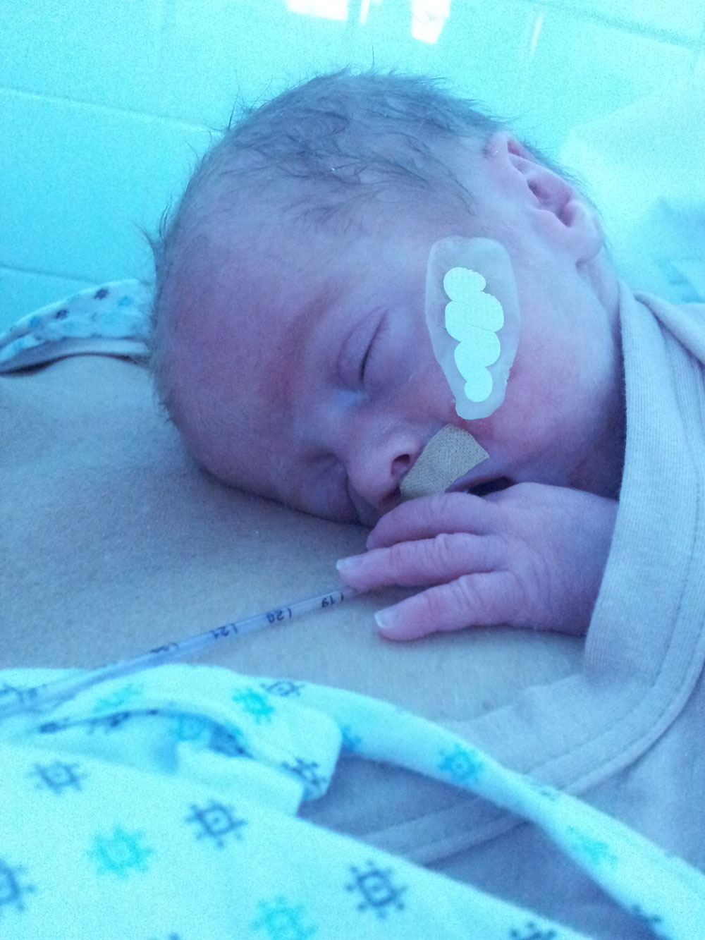 Portare i bambini prematuri: oltre la terapia