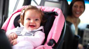 Bambino in auto: usa il seggiolino!
