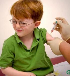 bambino vaccinato